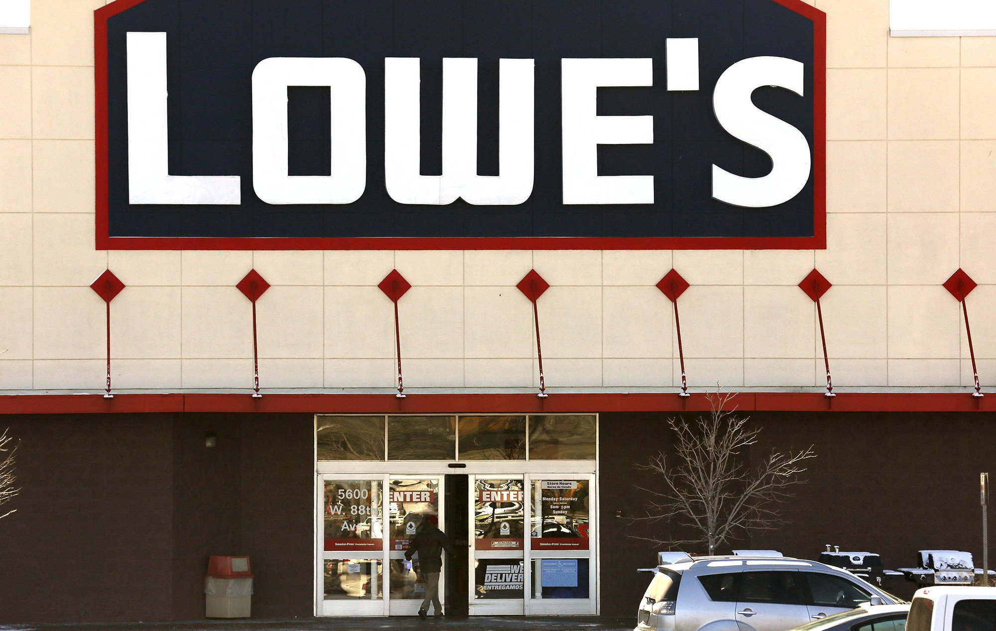 Lowe's latest to pay $1,000 bonuses following tax reform