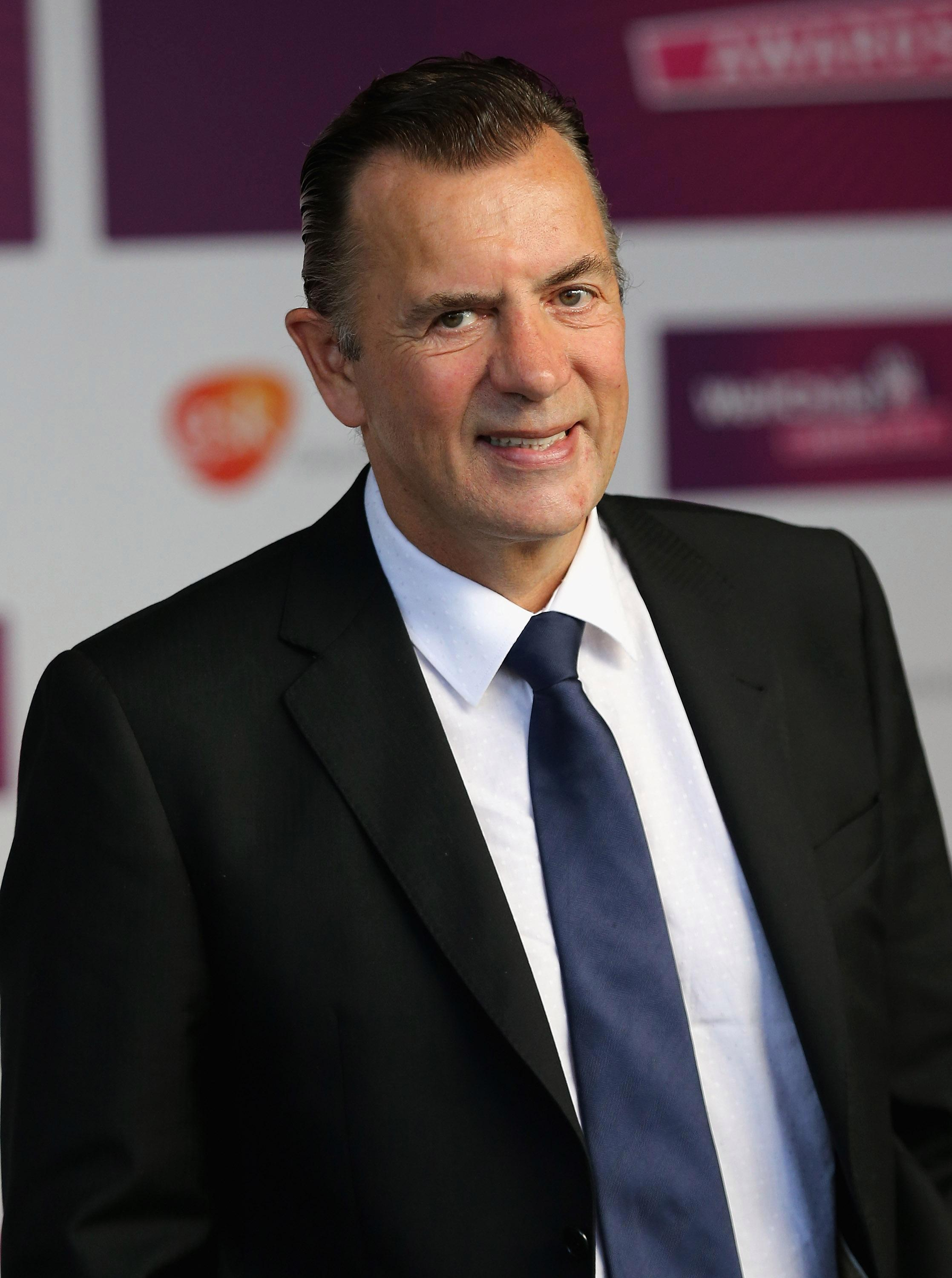 Duncan Bannatyne horrified after someone left a poo in a shower at one of his gyms