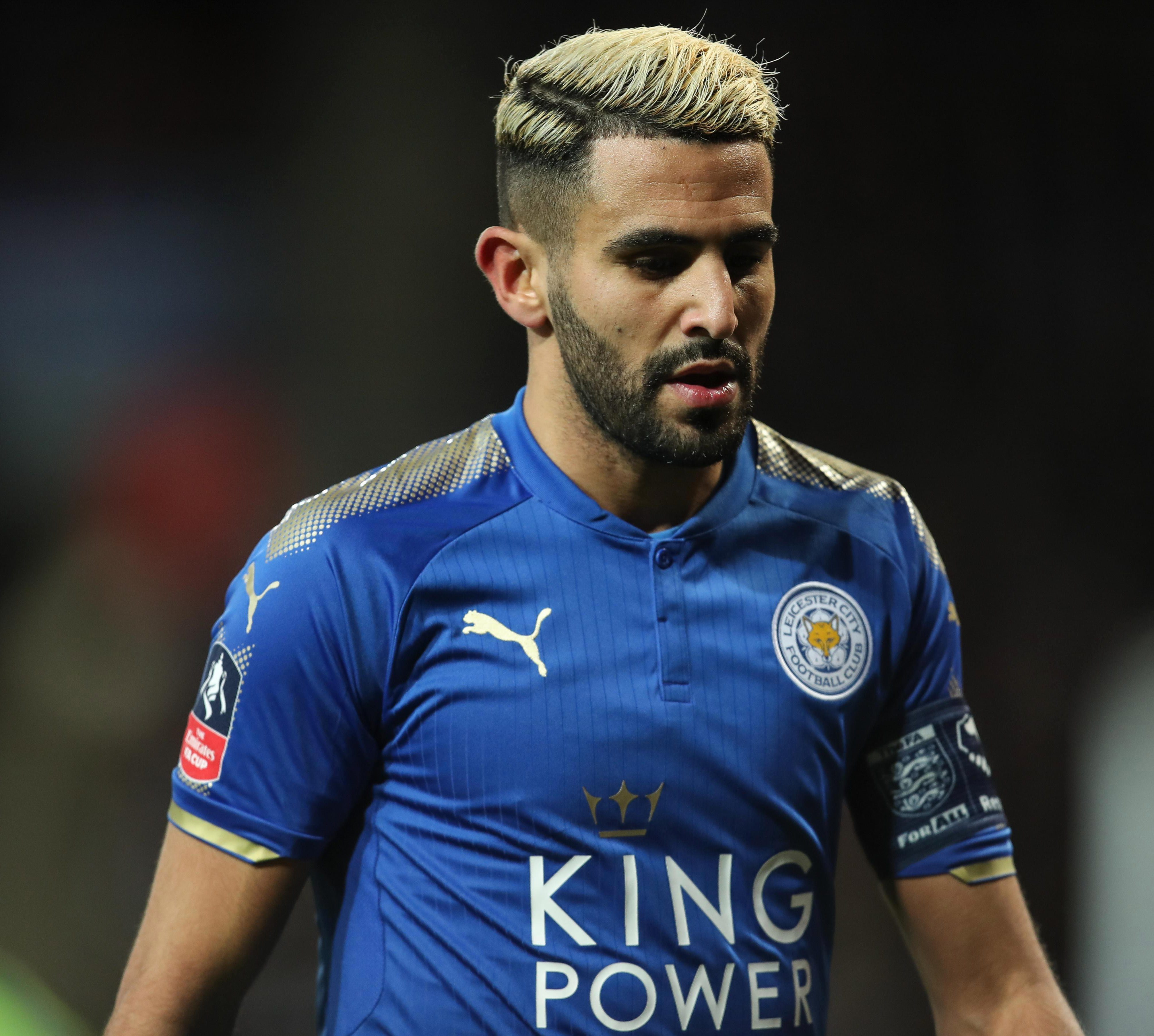 Riyad Mahrez fails to report to Leicester training after move to Man City falls through