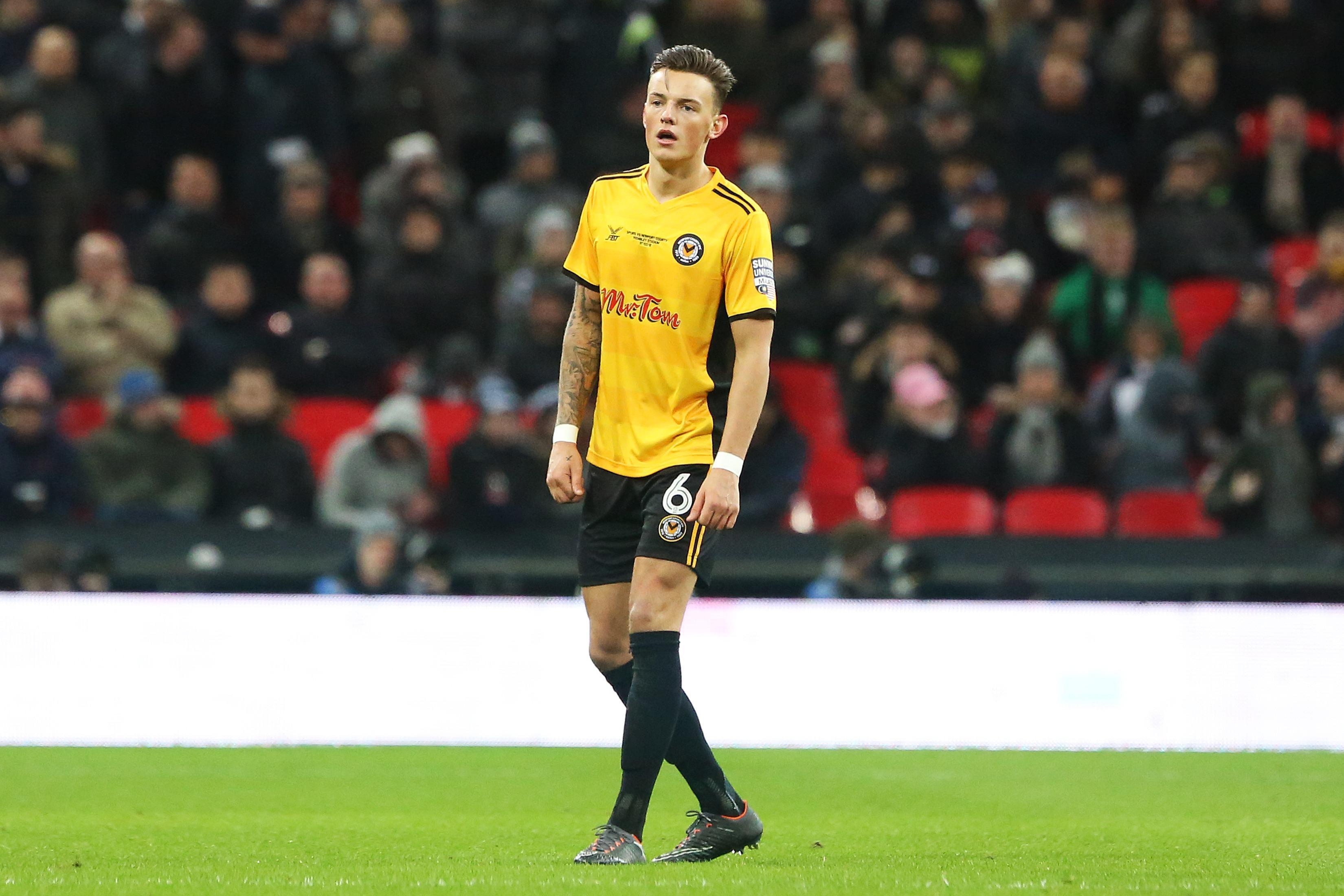 Ben White rejects Brighton contract as Premier League clubs circle