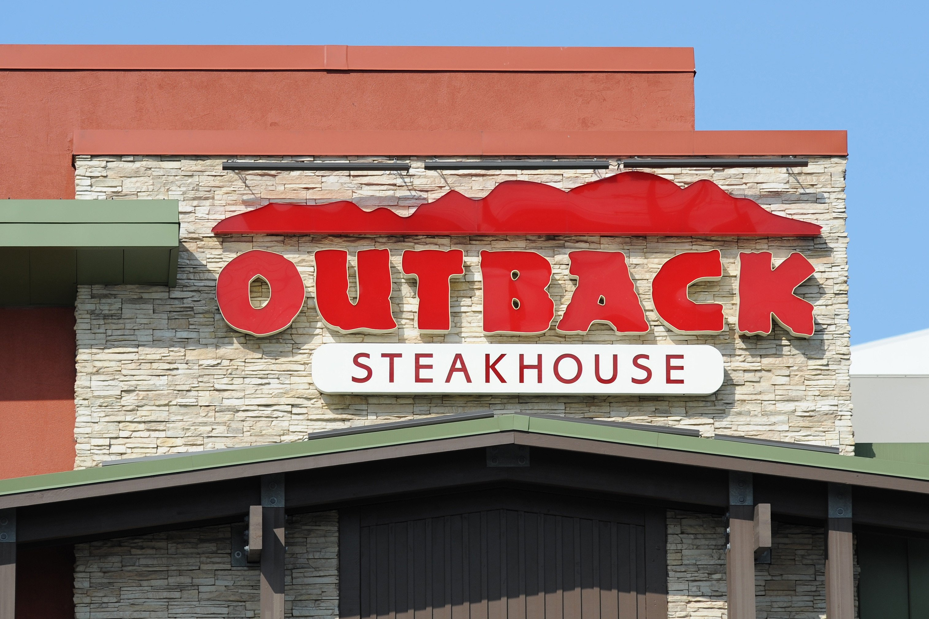 Outback Steakhouse earnings tantalizes Wall Street