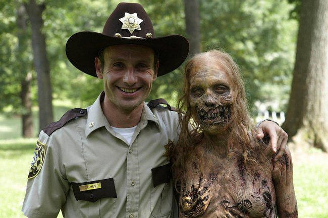 Now, That's Deadication: After 7 Years, 'The Walking Dead' Will Finally Feature Its First Nude Zombie