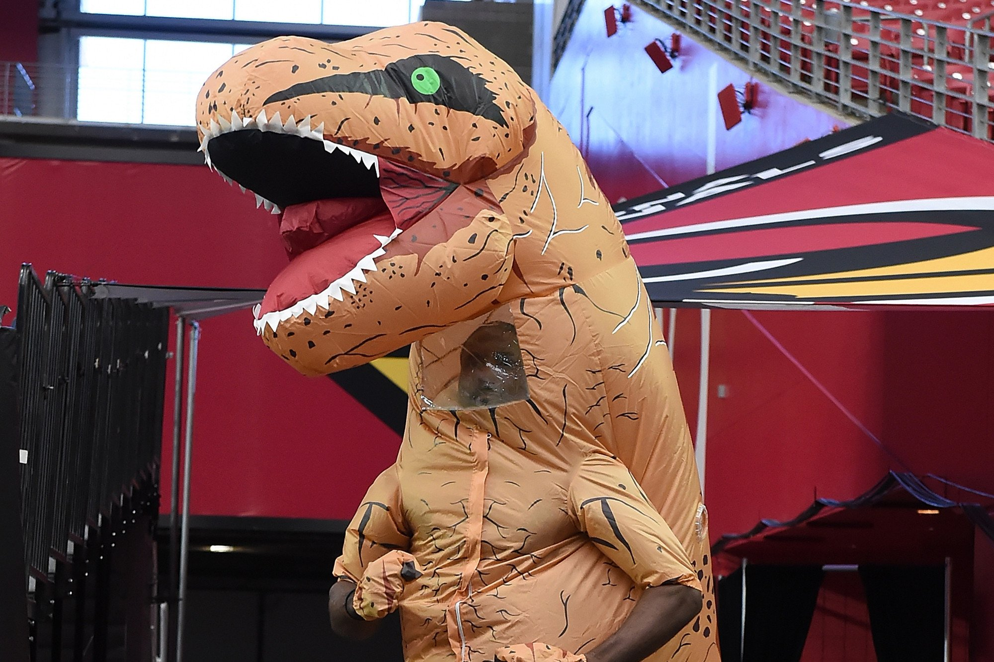 Charges dropped for dino-suit-wearing woman accused of spooking horses
