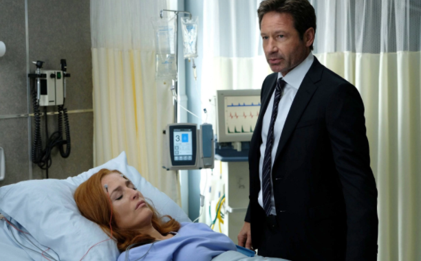 X Files fans praise 'brilliant' first episode as Mulder and Scully return