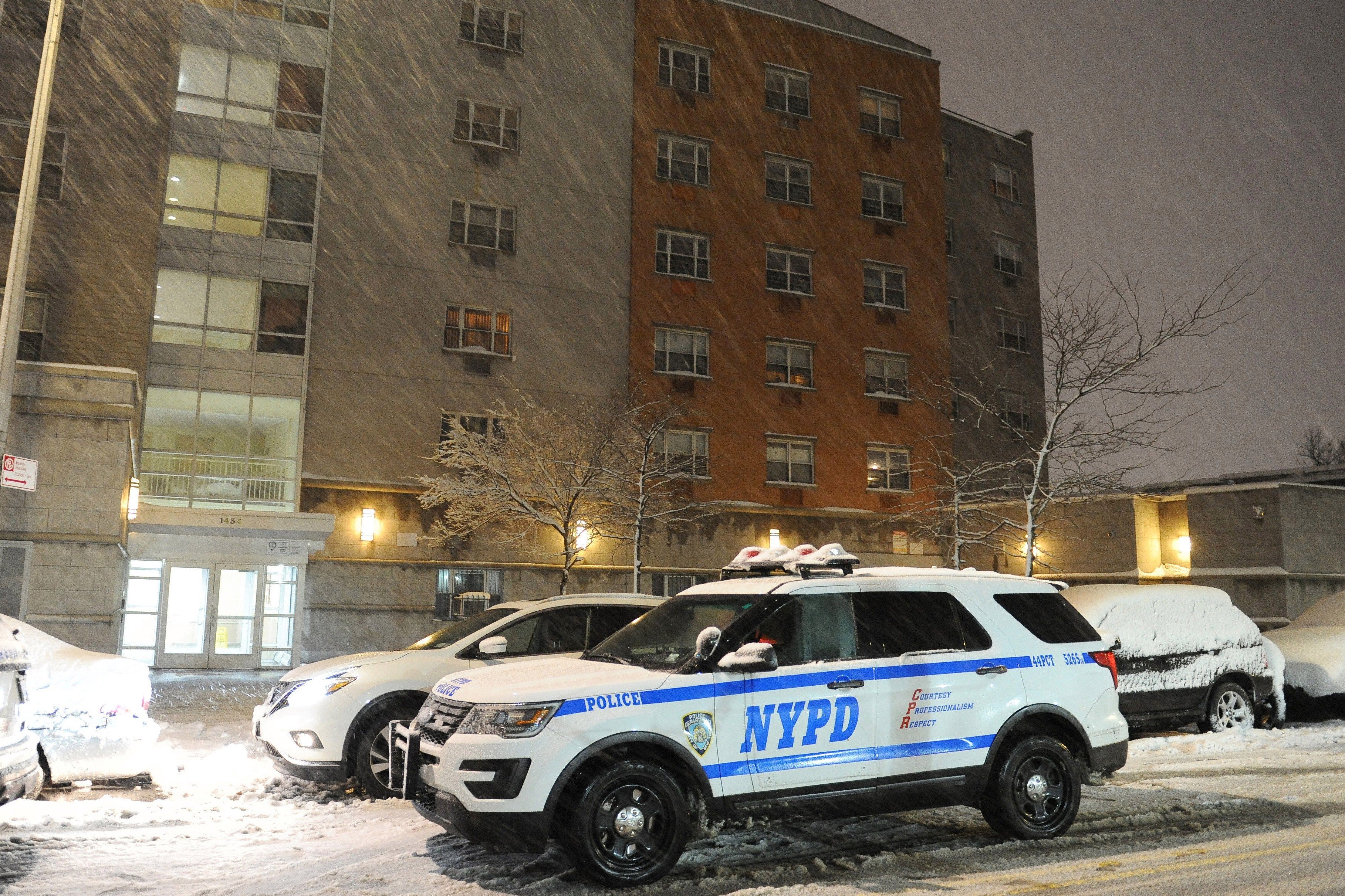 Off-duty corrections officer fatally shoots girlfriend in The Bronx