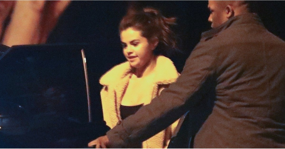 """Selena Gomez Looks So Damn Good in This Fuzzy Coat, It Has Us Saying, """"Justin Who?"""""""