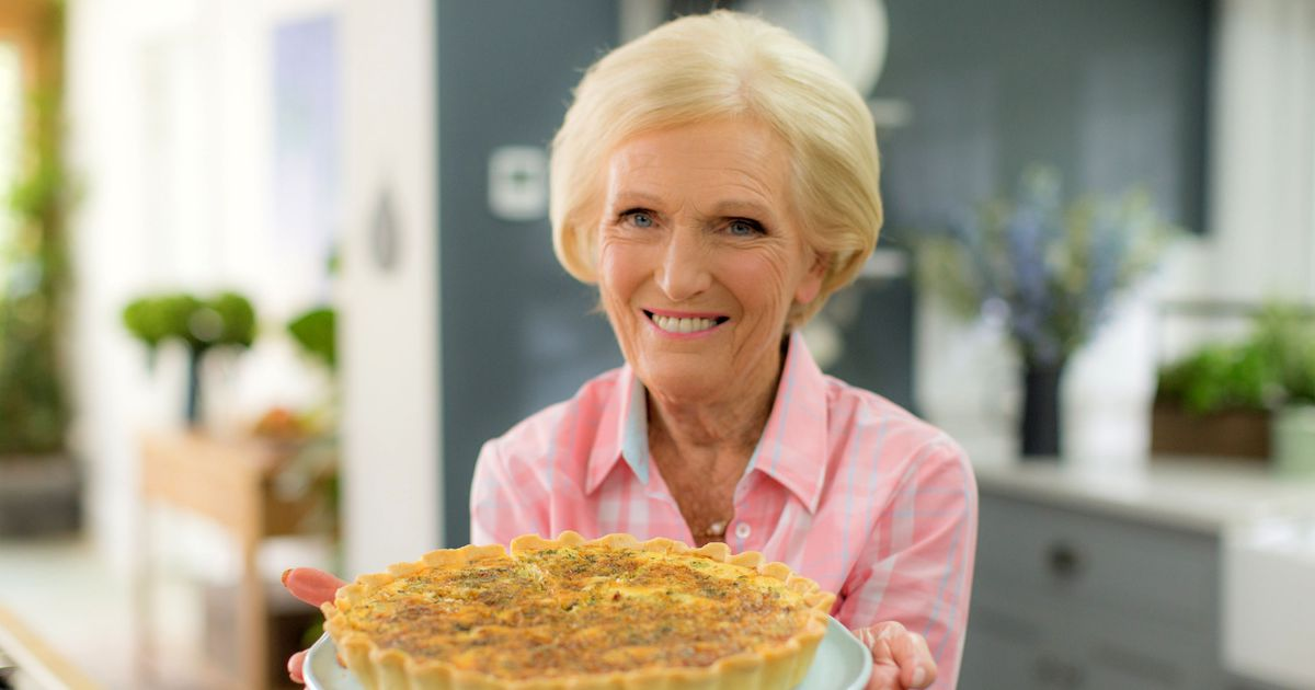 Paul Hollywood cringes as Harry Hill makes a joke about Mary Berry on Bake Off