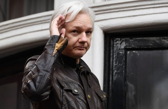 Ecuador cuts off Julian Assange's internet at embassy