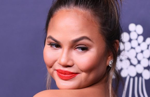 Chrissy Teigen Got Grilled By Some Vegetarians About Her Eating Habits