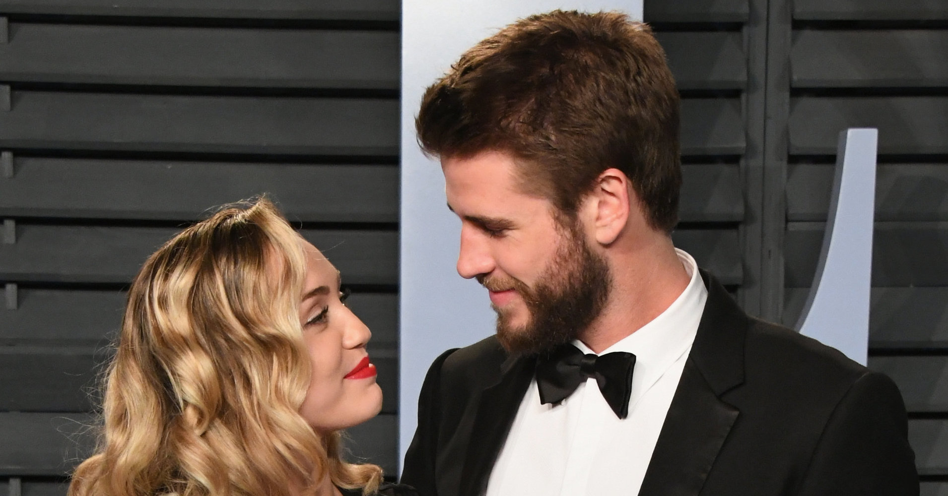 Miley Cyrus And Liam Hemsworth Looked So In Love At The Vanity Fair Oscar Bash