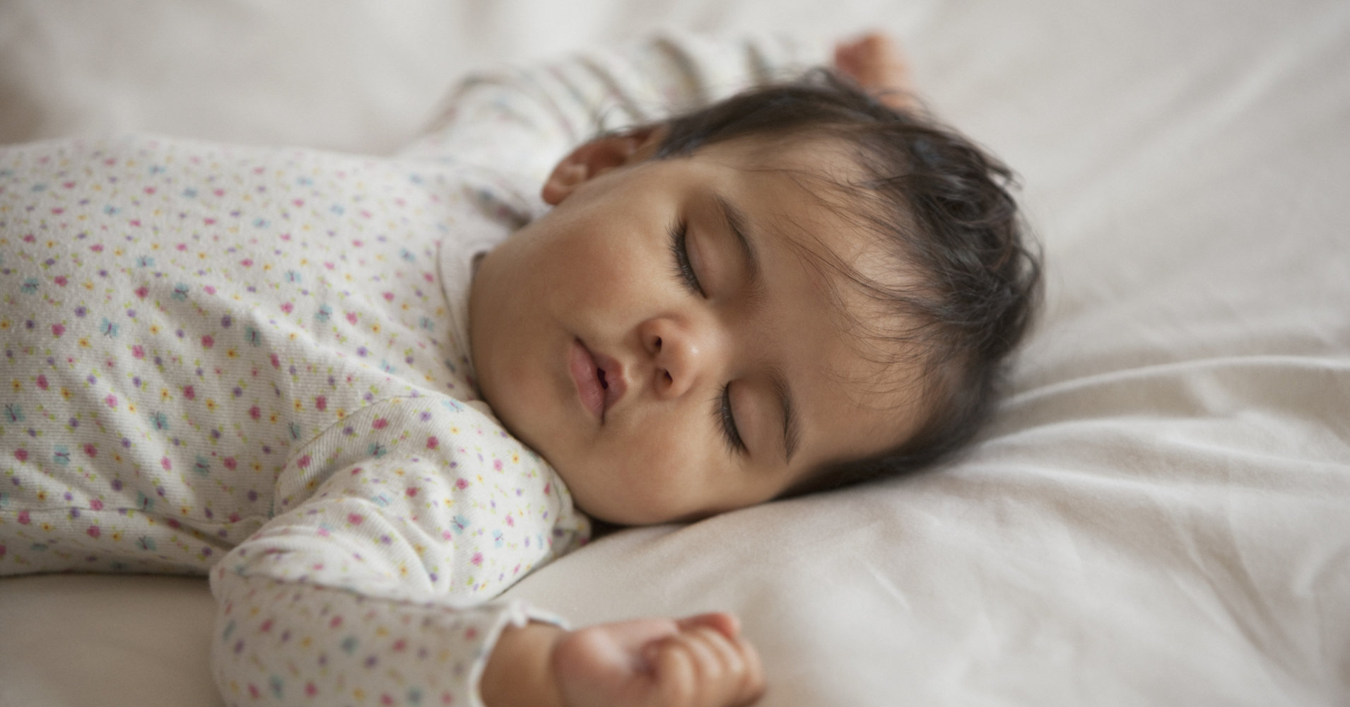 How To Help Your Baby Ease Into Daylight Saving Time
