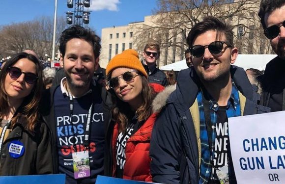 'Parks and Recreation' Cast Reunites At March For Our Lives Protest