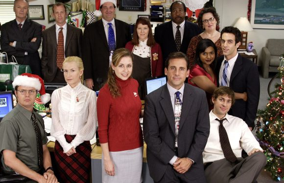 *Looks Directly Into Camera* John Krasinski Wants A Christmas Special Of 'The Office'