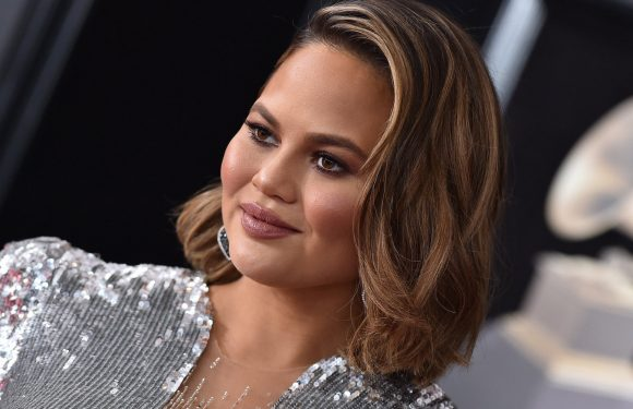Chrissy Teigen Explains Her Snapchat Decision And Why She Feels For The Beyoncé Biter