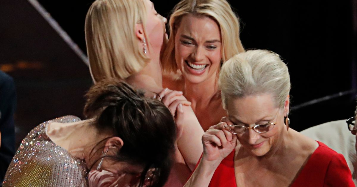 Adorable moment between Best Actress 'losers' captured behind scenes at Oscars