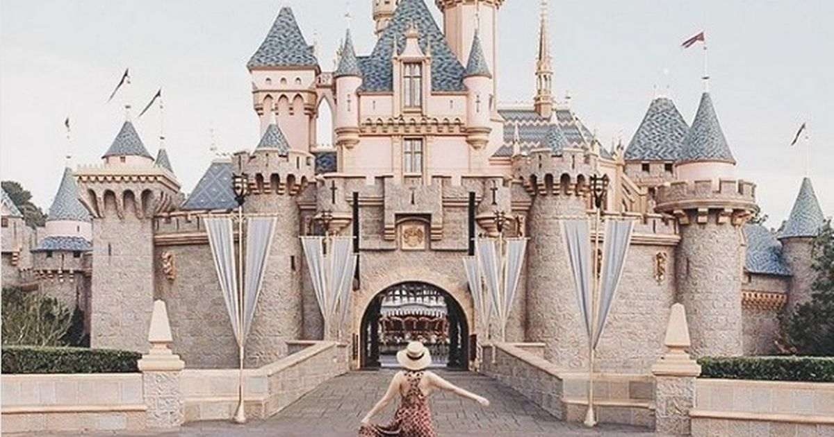 British blogger comes clean after faking a trip to Disneyland on Instagram