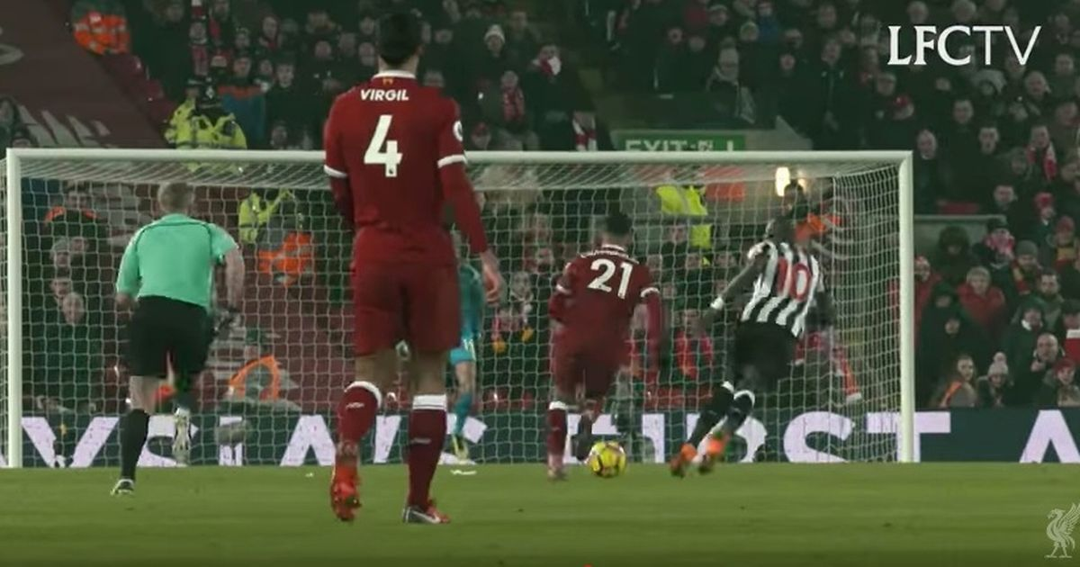 What Virgil van Dijk did moments before Mohamed Salah scored against Newcastle