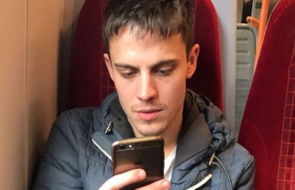Man live tweets lads trip with strangers after pal with same name dropped out