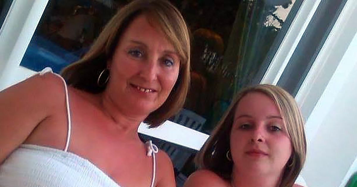 Daughter hands over mum's ashes to prove dead woman isn't fit to work