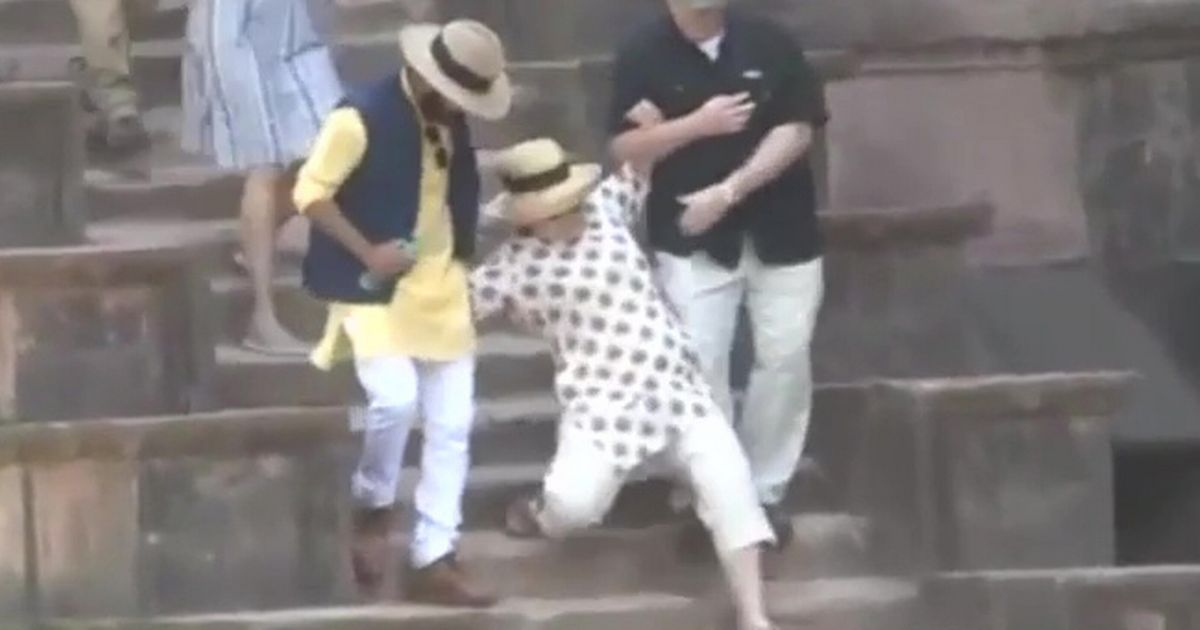 Hillary Clinton tumbles twice walking down stairs on trip to India