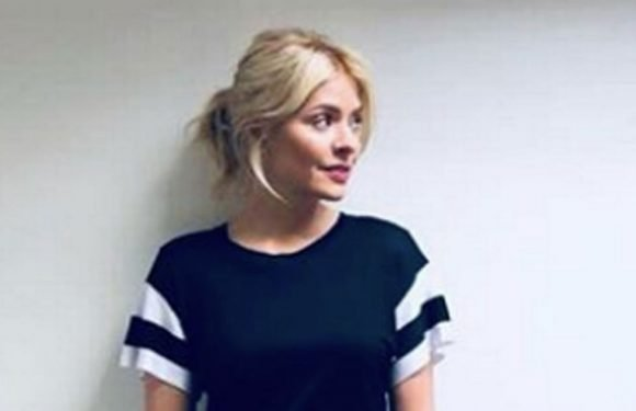 Holly Willoughby flaunts incredible legs in skin-tight leather trousers