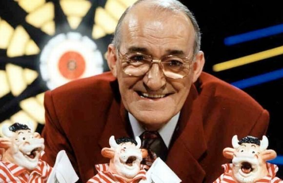 Jim Bowen laid to rest in quiet private service