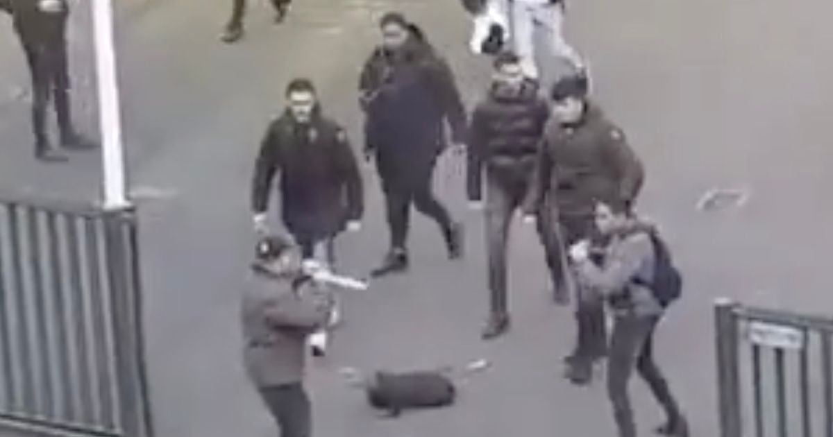 Students chase off knifeman carrying two blades using just their backpacks