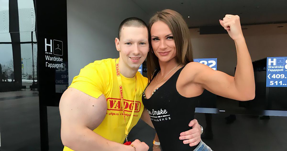 Bodybuilder fears he's dying after injecting huge biceps with synthol oil