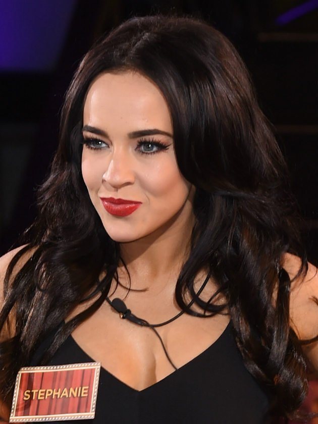 Stephanie Davis performs heartfelt song she wrote in rehab about Jeremy