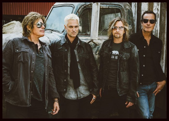 Stone Temple Pilots Jam With Johnny Depp At Tour Opener