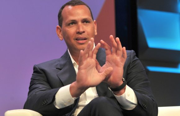 A-Rod displays jitters, flashes of promise in ESPN debut
