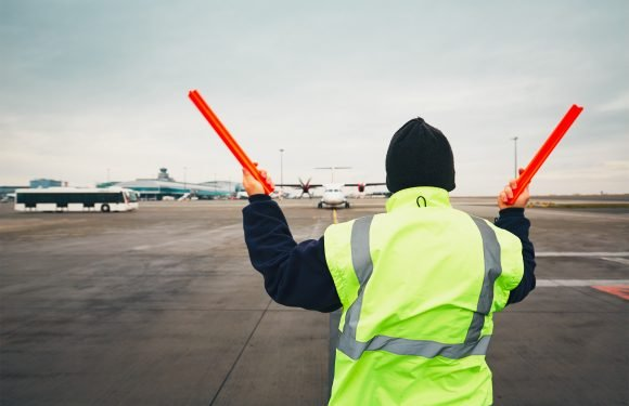 City airport workers' minimum wage raised to $19 per hour
