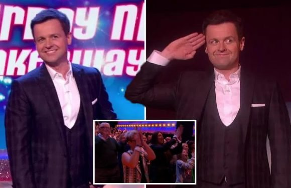Declan Donnelly thanks fans for their support as he gets a standing ovation from Saturday Night Takeaway studio audience after emotional first solo show
