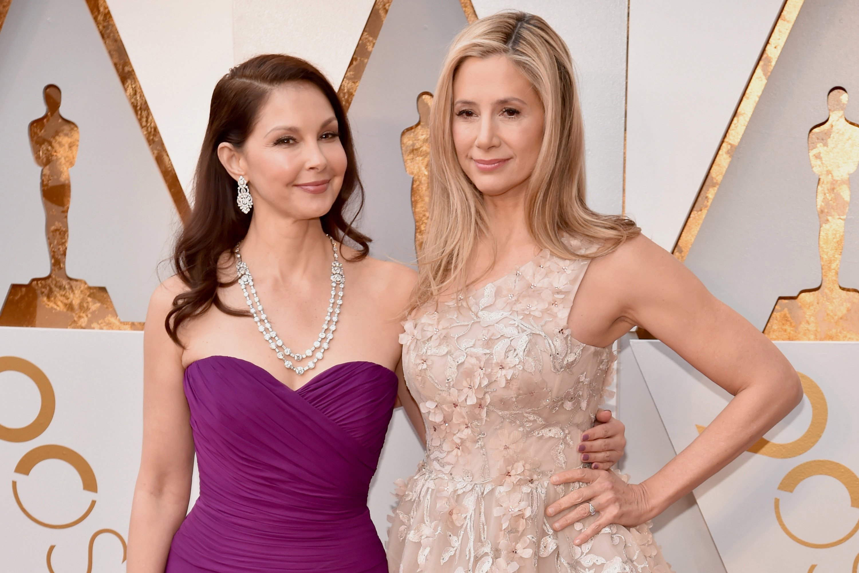 'Blacklisted' Ashley Judd and Mira Sorvino arrive at Oscars together