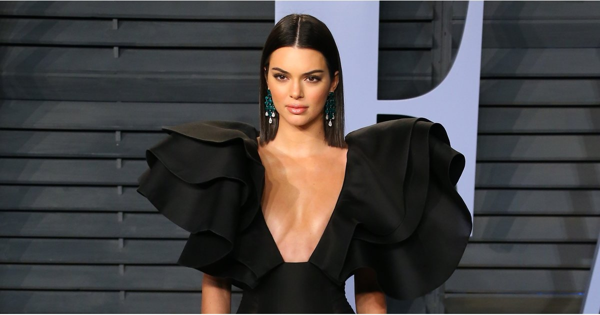 With Sleeves Like That, Kendall Jenner Basically Flew Into the Oscars Afterparty