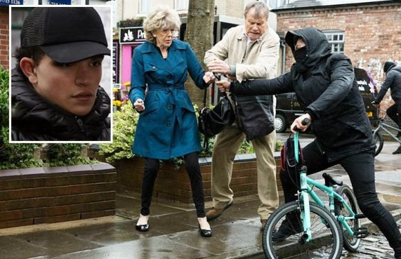 Coronation Street's Simon Barlow revealed as Audrey Roberts' attacker as Roy Cropper stuns viewers with his heroics