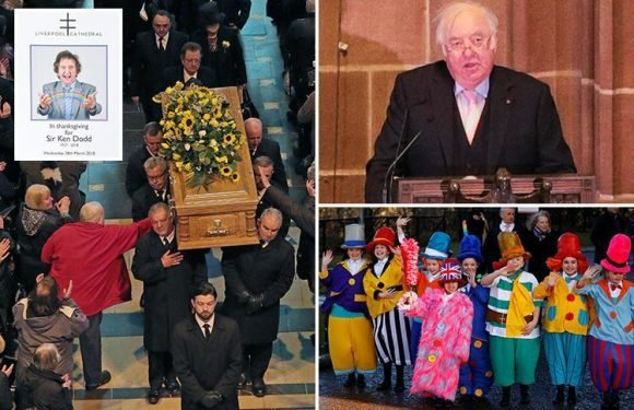 Jimmy Tarbuck leads heartfelt tributes to Sir Ken Dodd as thousands turn out for comedian's funeral