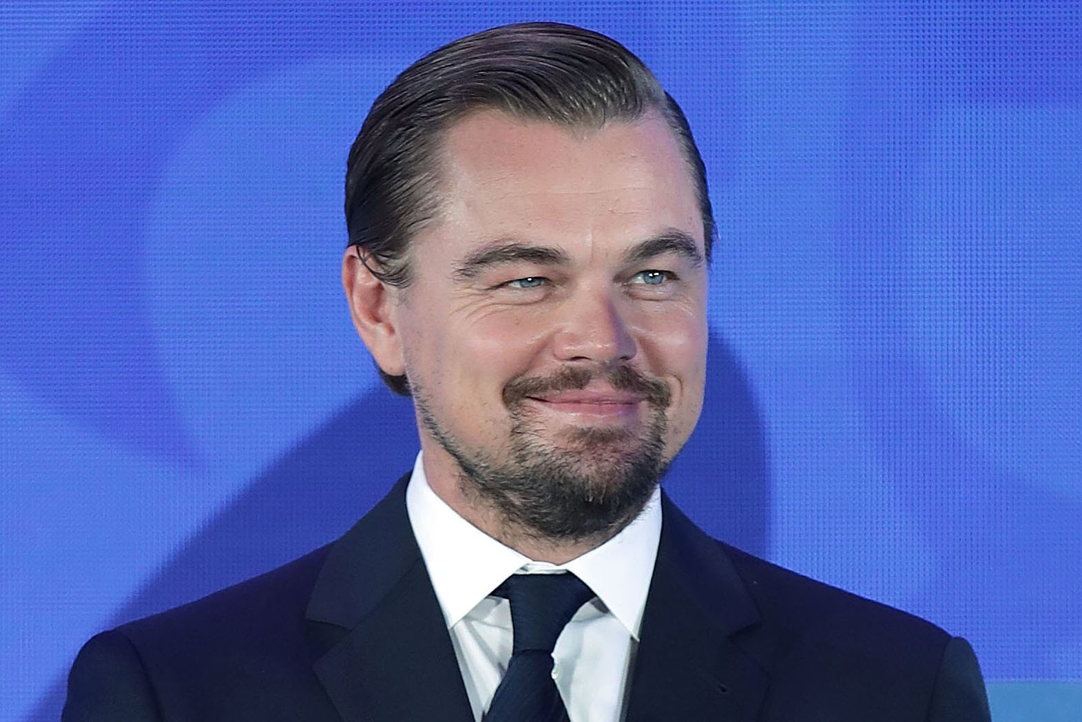 Leo DiCaprio gets first look at longtime friend's art show