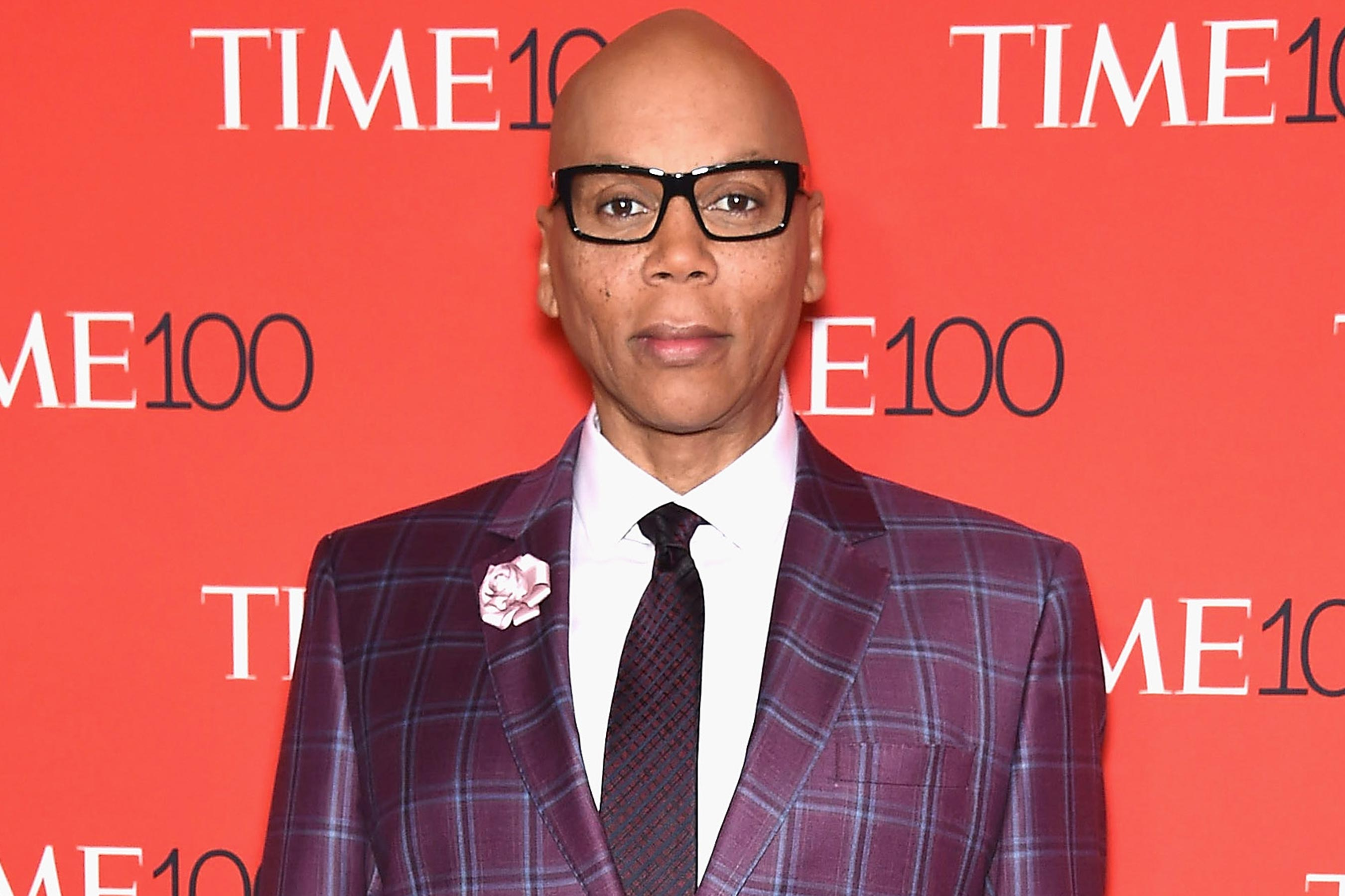 RuPaul apologizes for controversial transgender comments