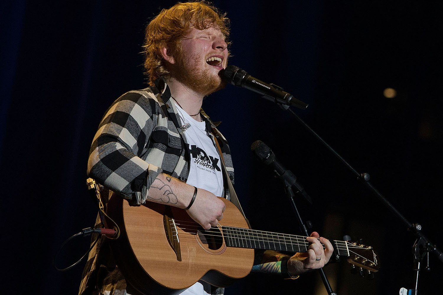 Ed Sheeran fans faint at overheated Melbourne concert