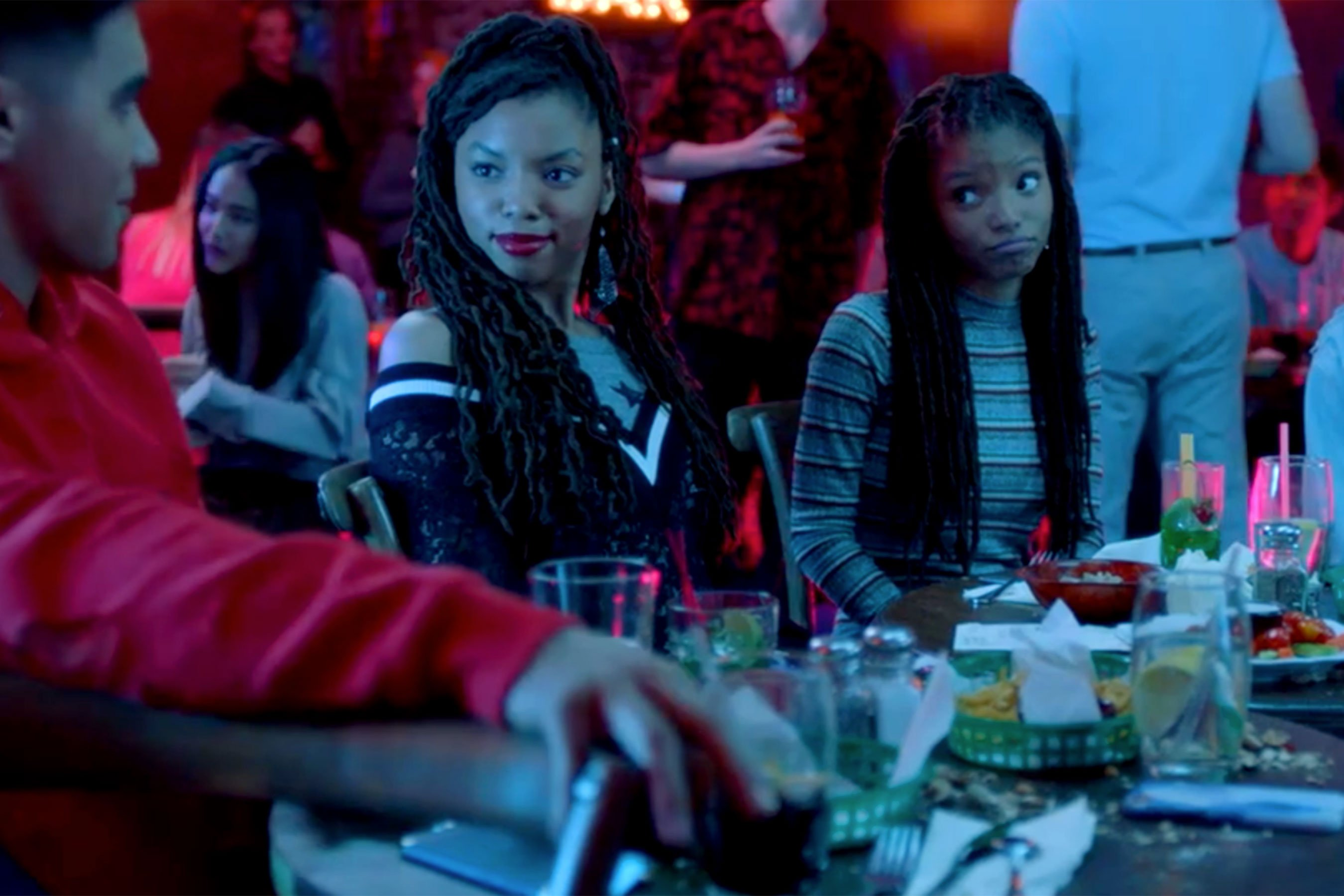 Grown-ish: Chloe x Halle have trouble dating in clip
