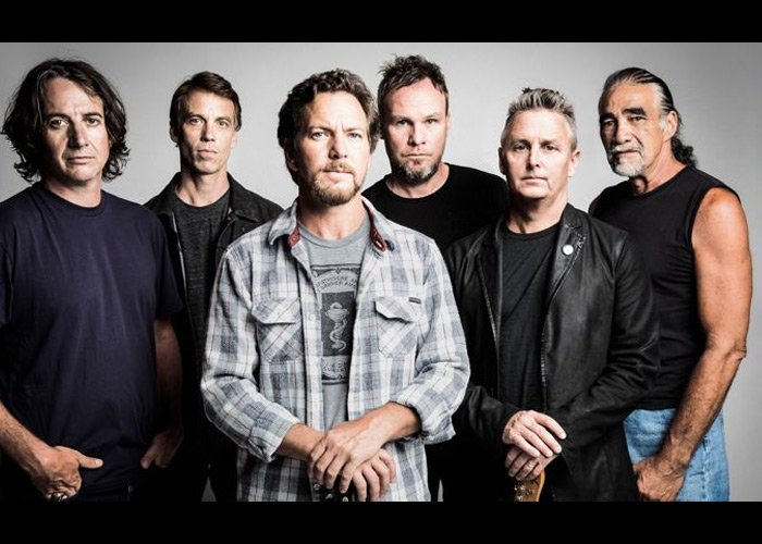 Pearl Jam Debuts New Track To Fan Club