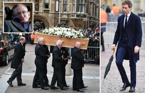 Professor Stephen Hawking's coffin is carried into Cambridge church as hundreds line the streets to say goodbye