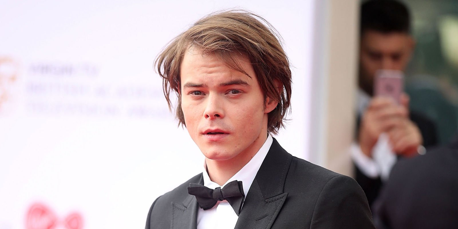 "Stranger Things' Charlie Heaton opens up about the ""f**king awful"" time after that LAX incident"