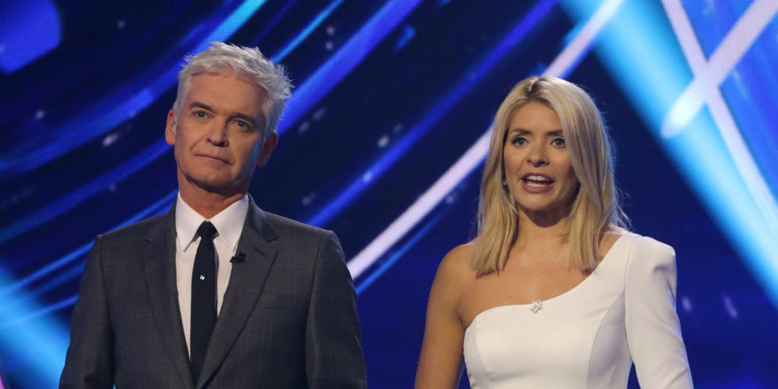"""Dancing on Ice fans call out judges' """"disrespectful"""" behaviour as they are accused of """"favouritism"""" in final"""