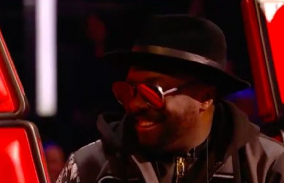 will.i.am annoys The Voice UK fans by being on his phone during the show