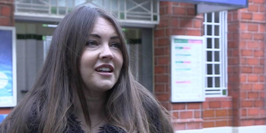 EastEnders star Lacey Turner warns that the Slaters will ruin Stacey's life