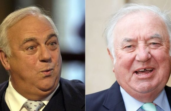 Ken Dodd's funeral gets a fitting comedy moment as Jimmy Tarbuck is mistaken for Roy Hudd