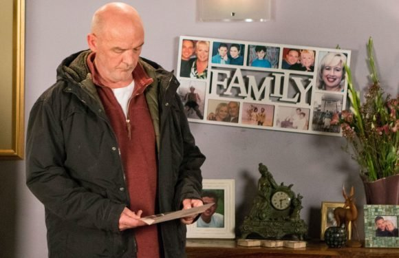 Coronation Street villain Pat Phelan in huge trouble as his burial site gets dug up tonight