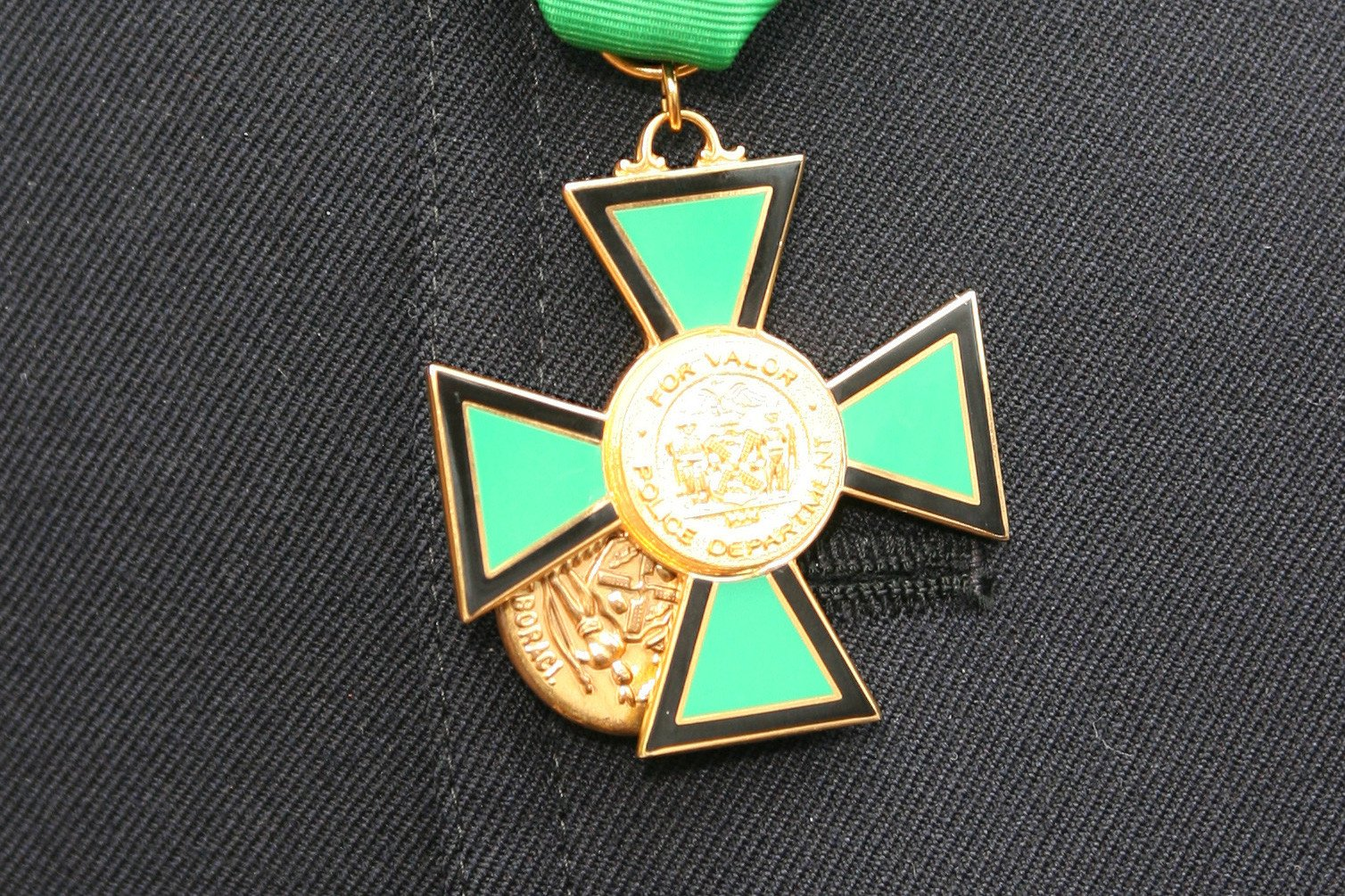 NYPD Medal of Valor found in thrift store jewelry purchase